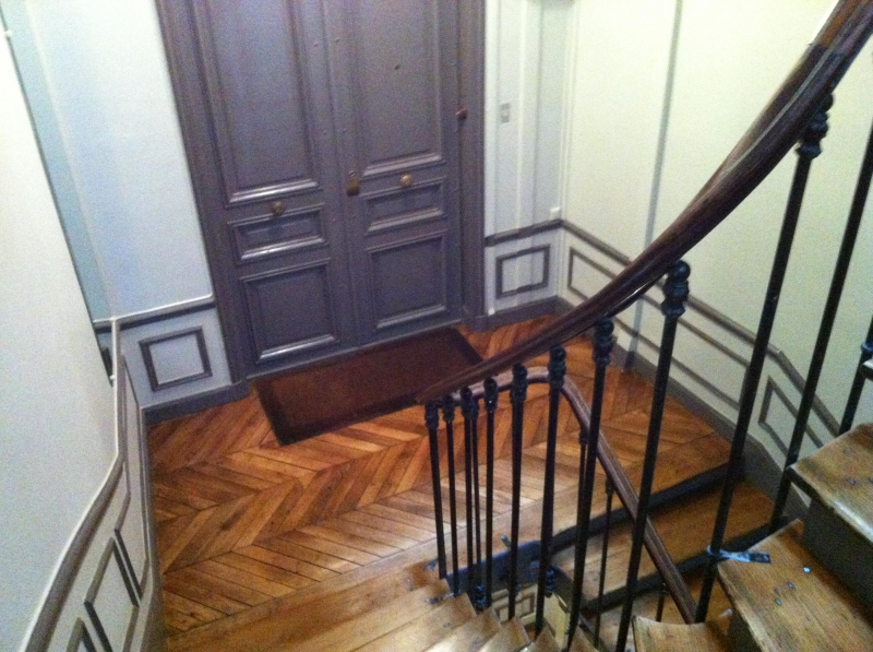 R novation cage d 39 escaliers goussainville paris versailles for Peinture cage escalier immeuble